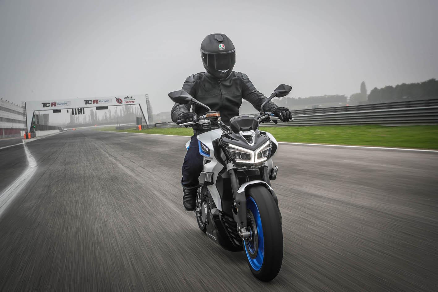 Kymco presenta la RevoNEX, la motocicleta eléctrica de